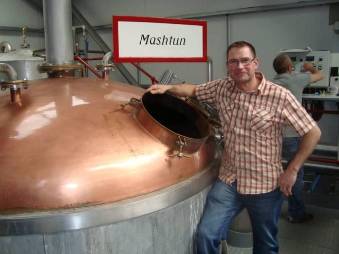 Distillery Manager Shaun Fraser vor dem Mashtun. Foto Copyright Mario Prinz