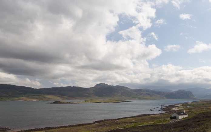 """2011 Schotland Loch Eriboll Laid en Eilean Choraidh 3-06-2011 17-36-55"" by Paul Hermans - Own work. Licensed under CC BY-SA 3.0 via Wikimedia Commons."
