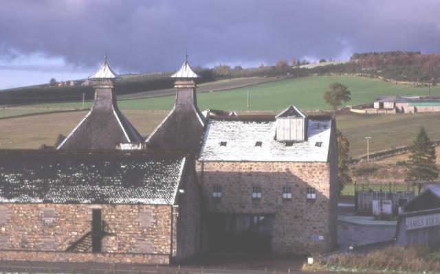Glentauchers Destillerie, Foto von Anne Burgess, CC-Lizenz