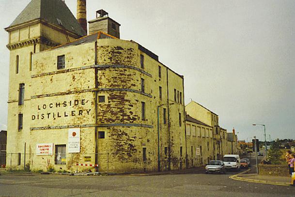 Lochside Destillerie, Foto von Colin Smith, CC-Lizenz