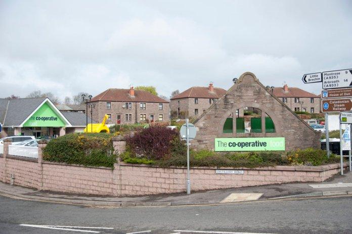 Wo einst die Destillerie North Port stand, steht jetzt ein Supermarkt. Bildquelle: Potstill.org