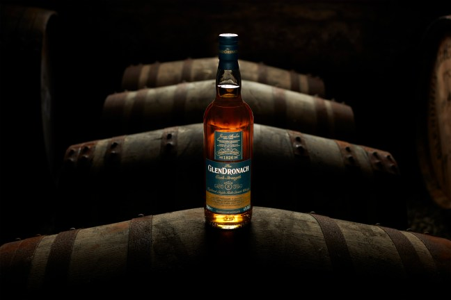 N052-GLENDRONACH-BATCH-8-BOTTLE-ON-CASK