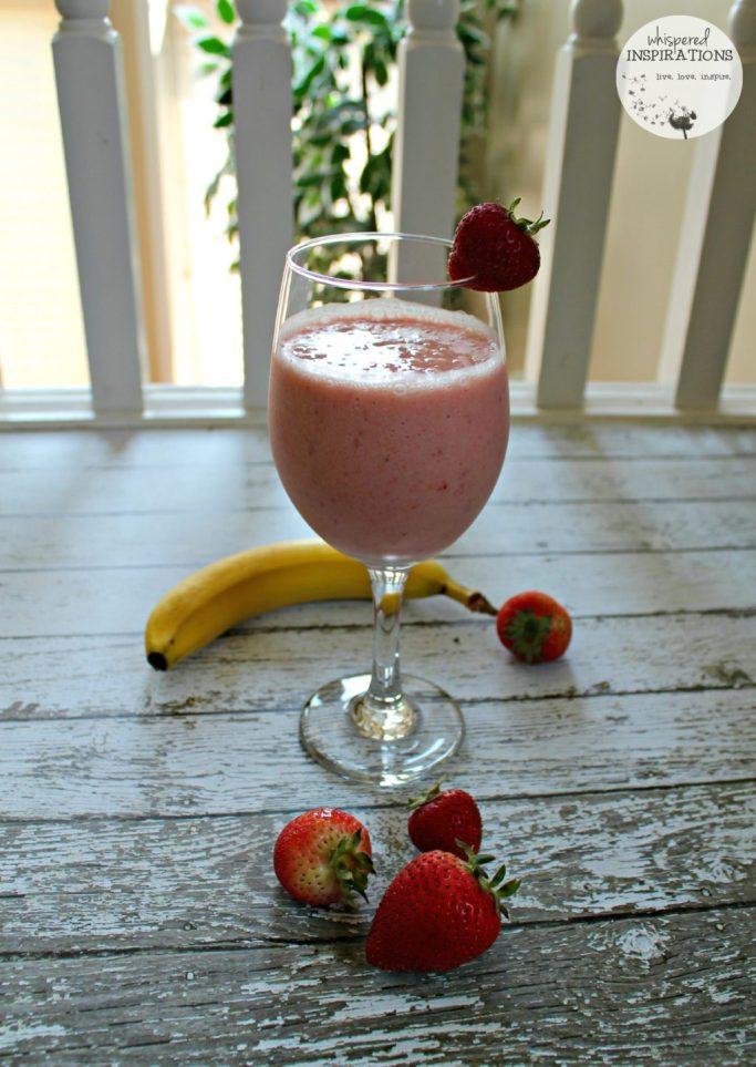 SunRype Frullo Banana Strawberry smoothie.