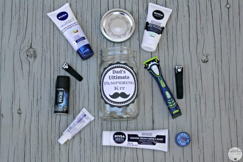 DIY Father's Day Gift Ideas: Dad's Ultimate Pampering Kit with everything that goes inside the mason jar.
