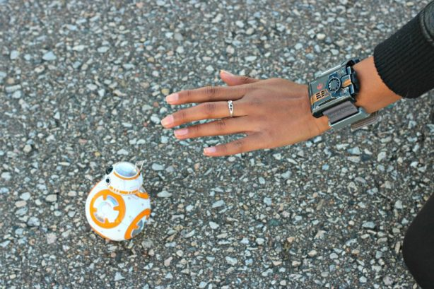 Use the Force & Control BB-8 with the Star Wars Force Band from Sphero!