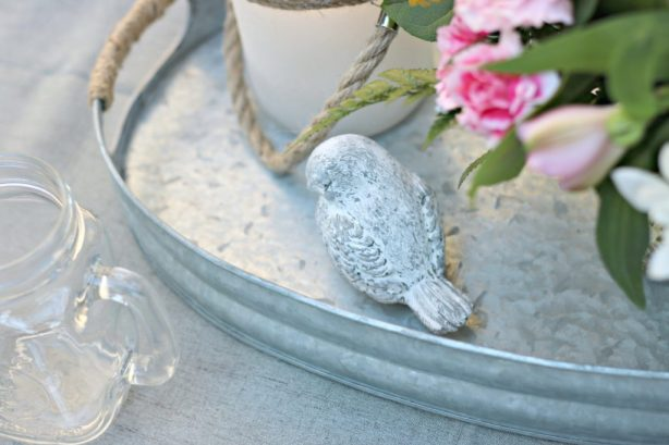 Dine Al Fresco with this Shabby Chic Farm Style Table Setting!