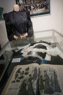 Sint Paulus guest house-museum, historical clothes