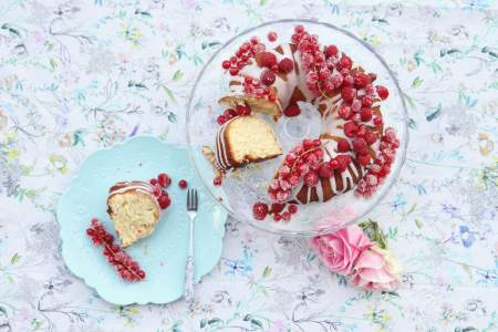 sugar berry cake
