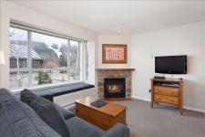 Eagle Lodge Studio With Mountain Views and Free Wifi Pictures