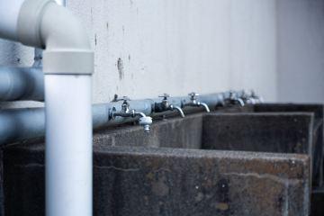 水飲み場でジョーと青山と力石