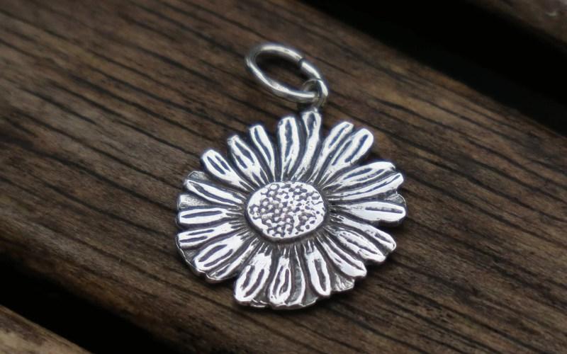 Silver Daisy Pendant 1
