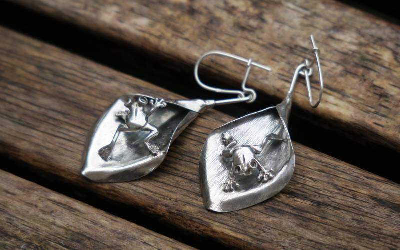 Sterling Silver Frog On A Leaf Earrings 1