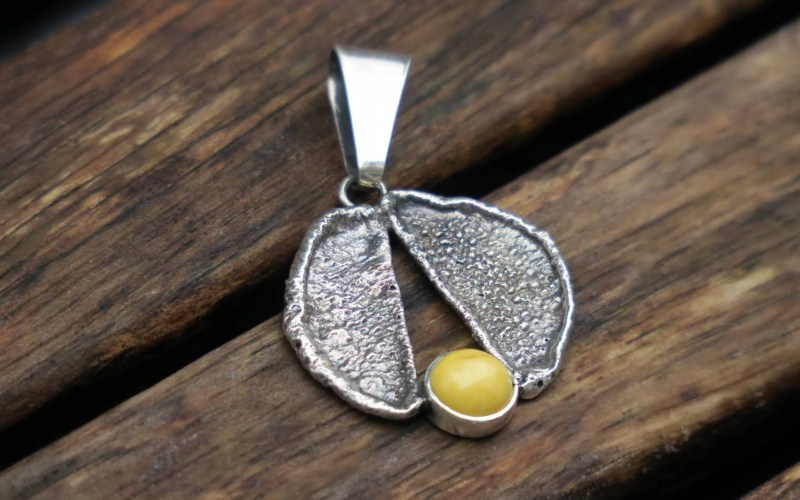 Raw Silver and Amber Pendant Necklace 1