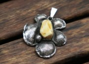 Silver Amber Flower Pendant Necklace 2