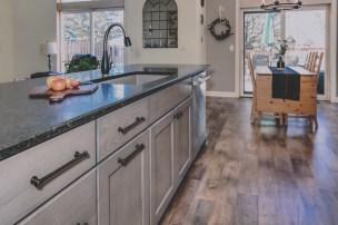 Gallant Court Kitchen Apple Valley (3)