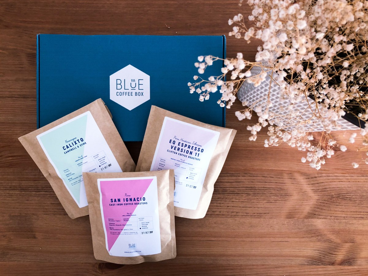 White Camellias Loves... Blue Coffee Box Review + Discount Code + Giveaway