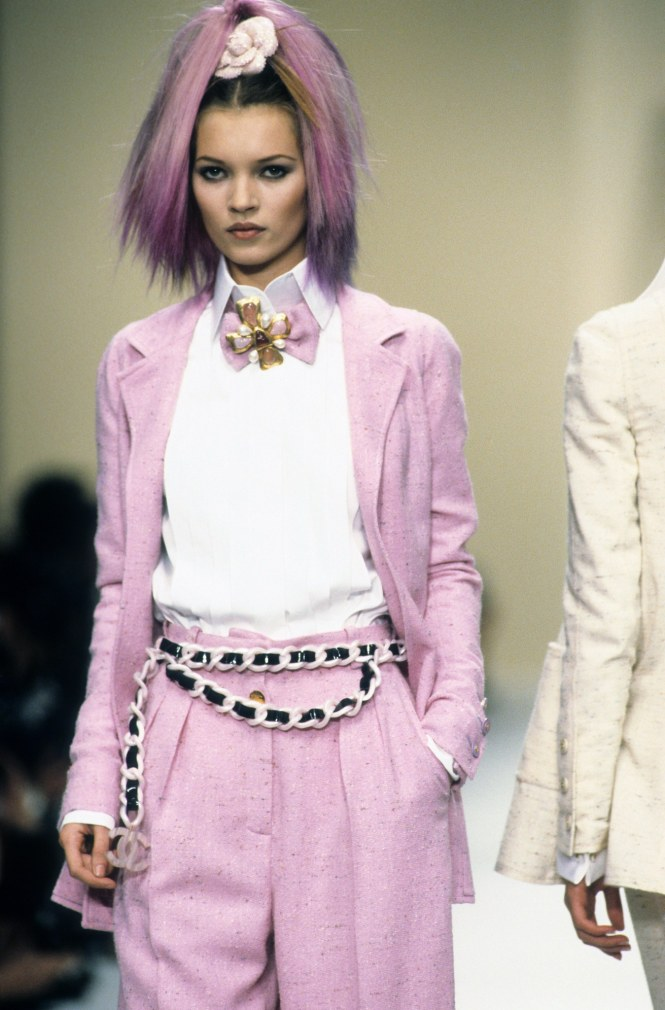 Chanel spring 1994 runway inspo chain belts