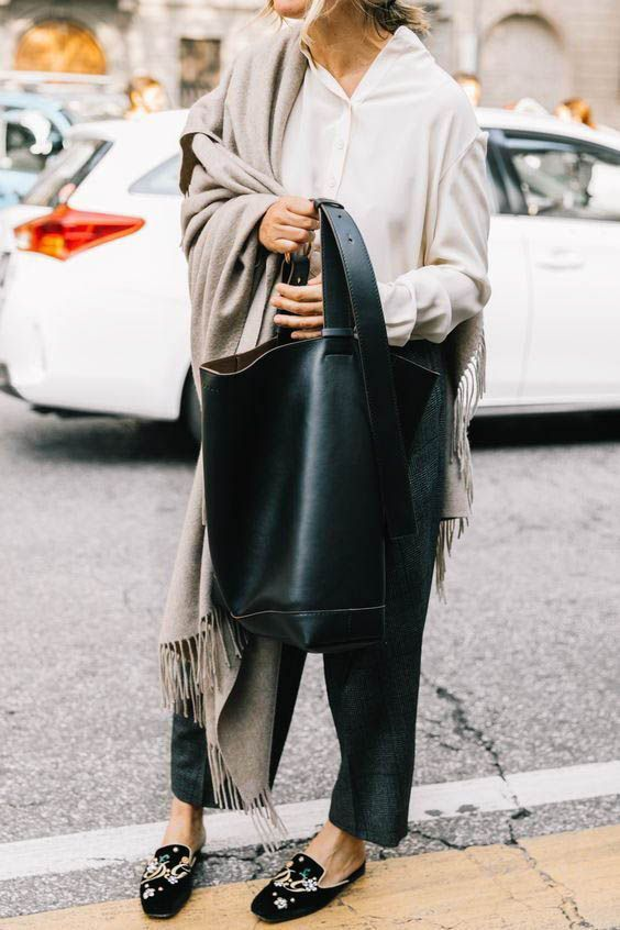 Oversized shoulder bags