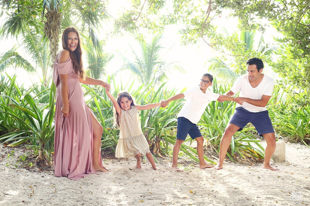 Destination Wedding, Riviera Maya, Debora Ducci, White Crown Photography, Playa del Carmen, family portrait