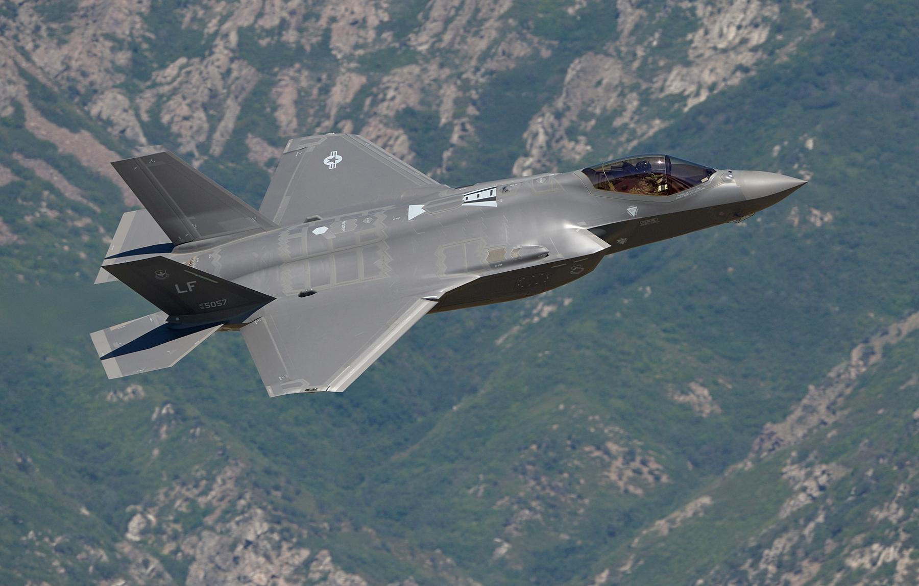An F-35 arrives at Hill AFB, Utah. Photo: Alex Lloyd, USAF.