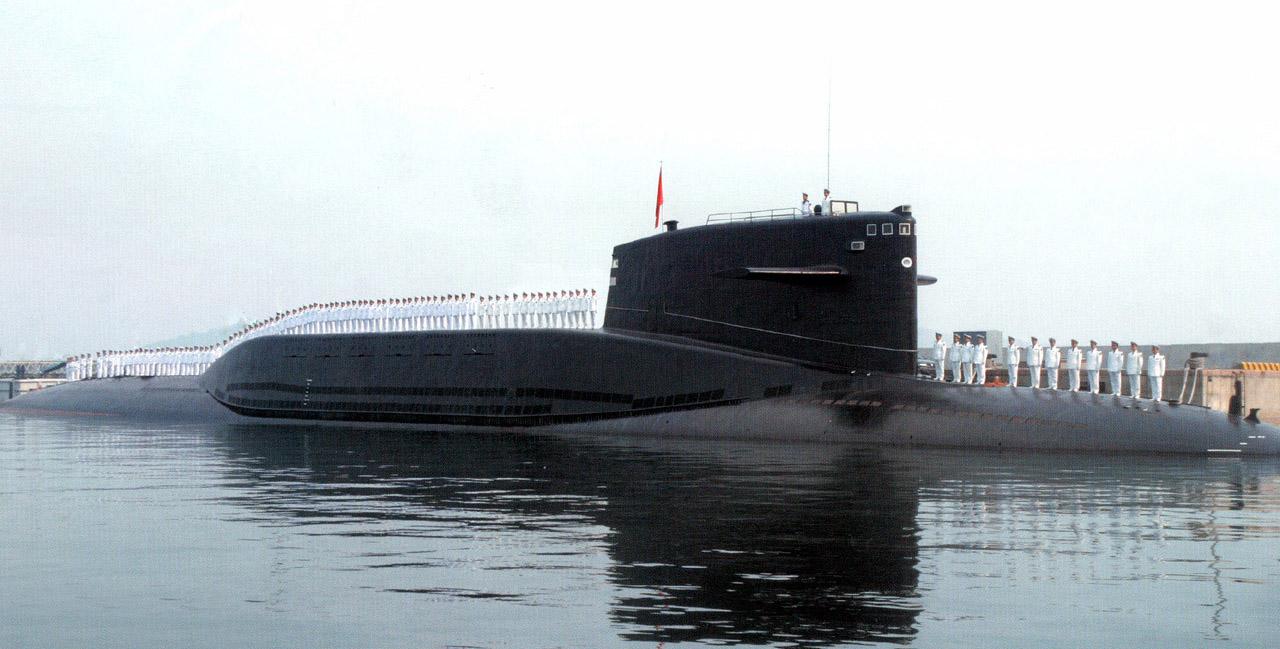 Tipo 092 (Classe Xia) Submarino de mísseis de potência nuclear Míssil balístico de lançamento de submarinos (SLBM) JL-1A JL-2 (ômega CSS-N-3)