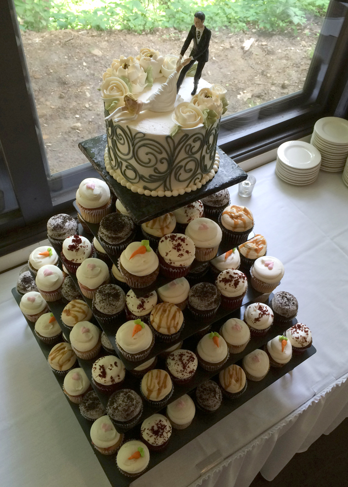 Wedding Cupcakes     White Flower Cake Shoppe Gourmet Wedding Cupcakes