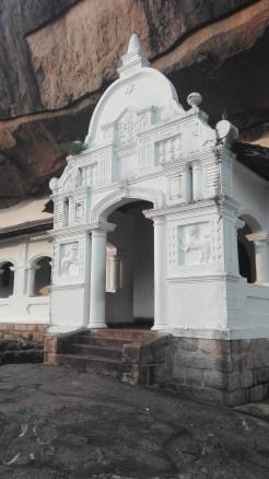 Dumbulla Cave entrance 1