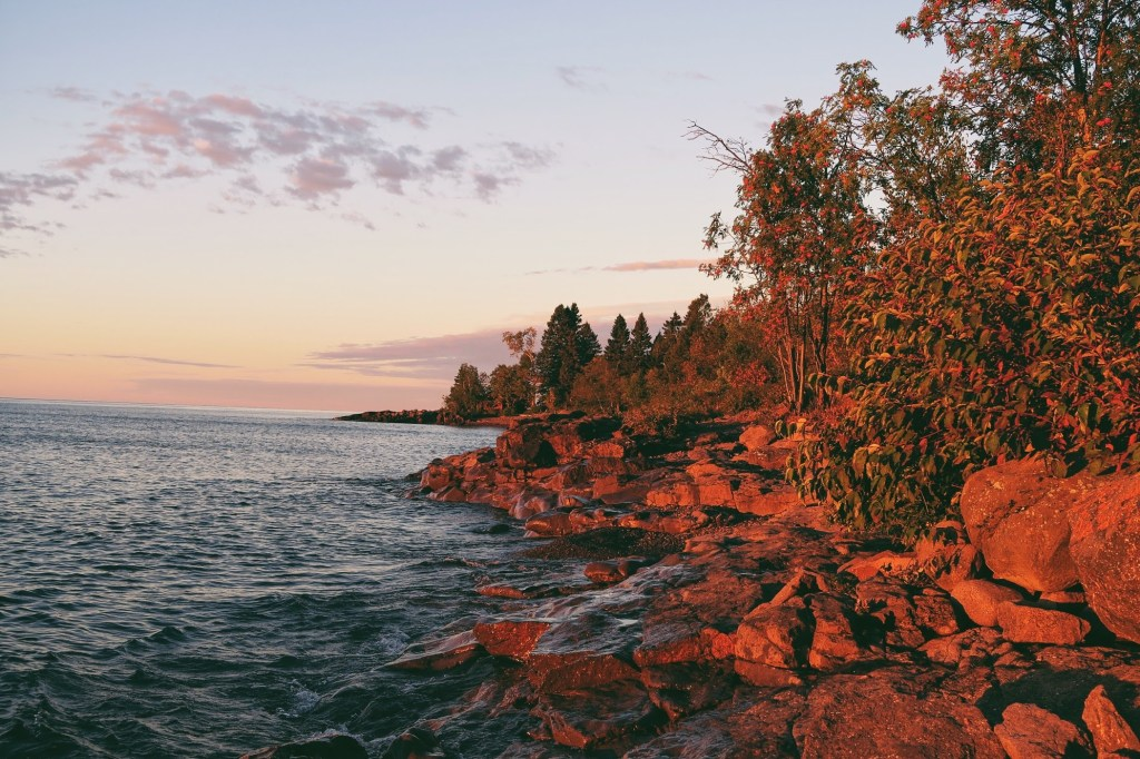 north shore lake superior lutsen minnesota