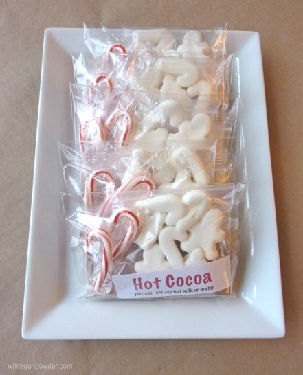 plate of hot cocoa packages x1000w-1