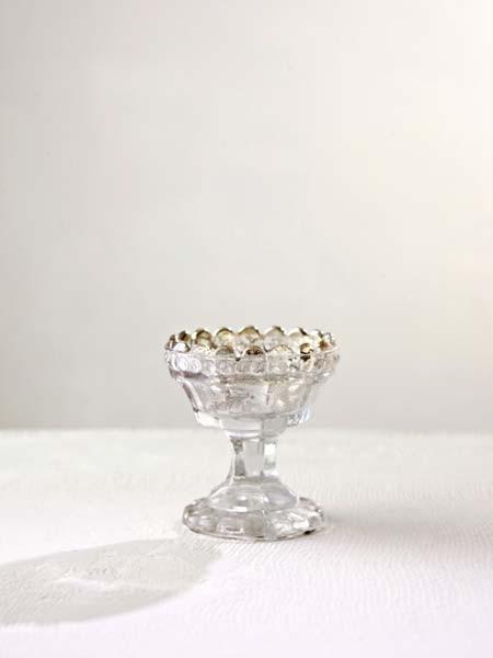Boutique Theo mercury pedestal votive holder:vase