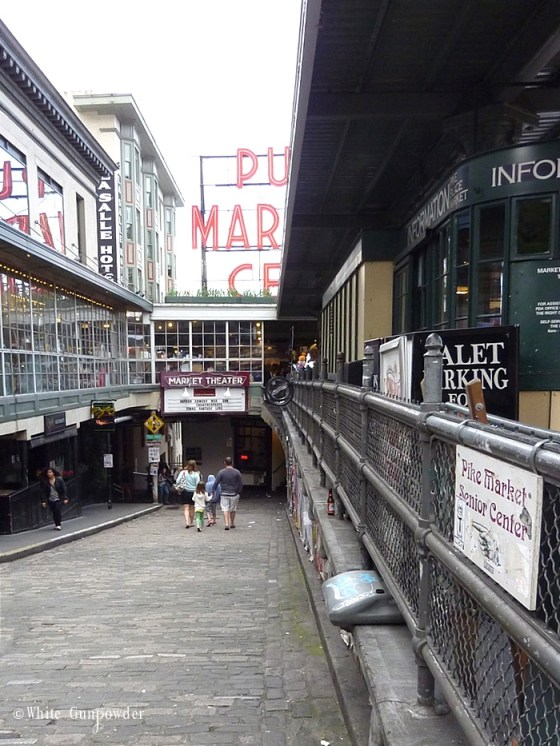 Pike Place Market gum wall, Newsstand & info center