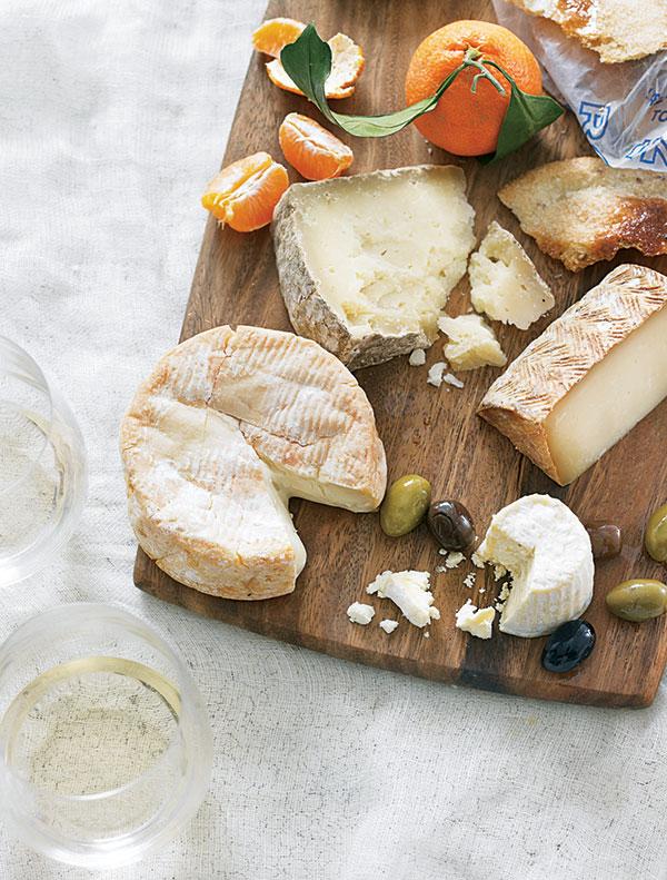 cheese platter William Sonoma1