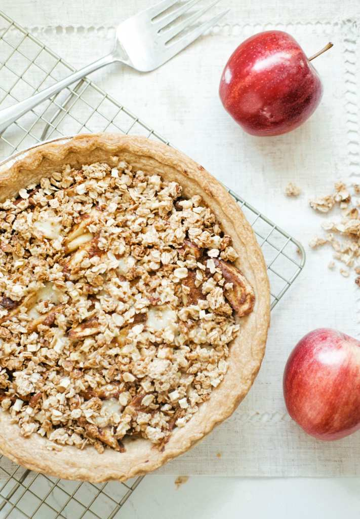 baked apple pie with crumble topping