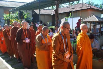 Buddhist nuns 1