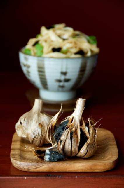 black-garlic-noodles-recipe