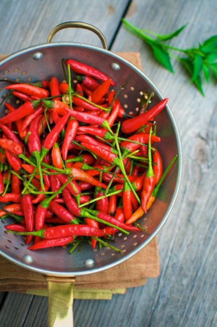 Homemade Sriracha Recipe Chili Garlic Hot Sauce Recipe | @whiteonrice