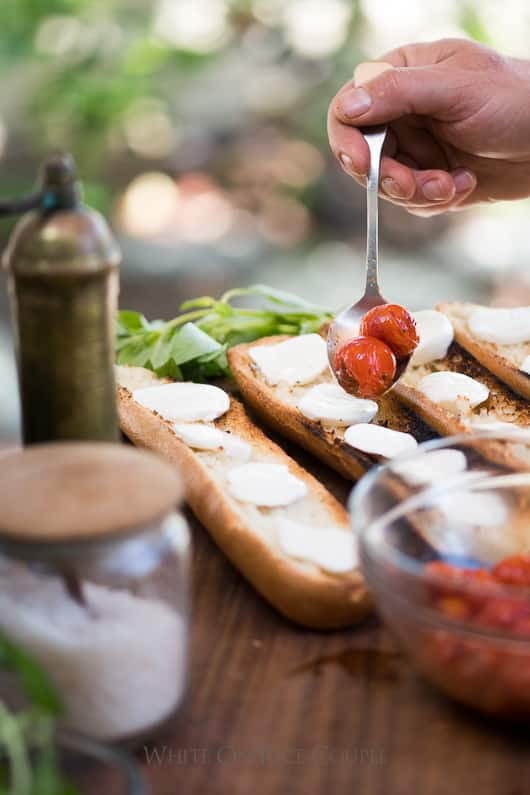Grilled Bruschetta Recipe with Mozzarella Cheese, basil and Tomatoes @whiteonrice