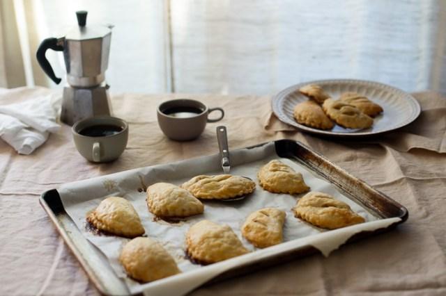 Brown Butter Apple Hand Pies from WhiteOnRiceCouple.com