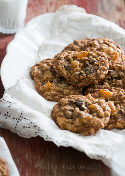 Oatmeal Cookies with Chocolate Chips and Apricots on @whiteonrice