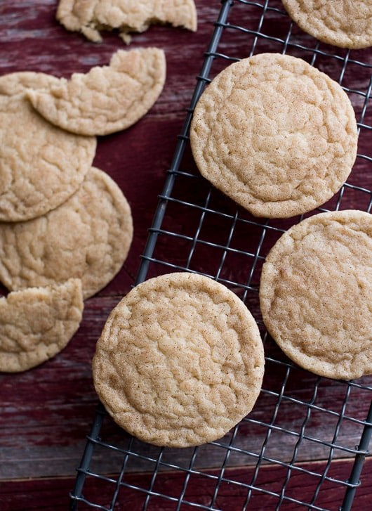 Soft, chewy and slightly crispy Snickerdoodle cookie. Easy, delicious and video tutorial on @whiteonrice
