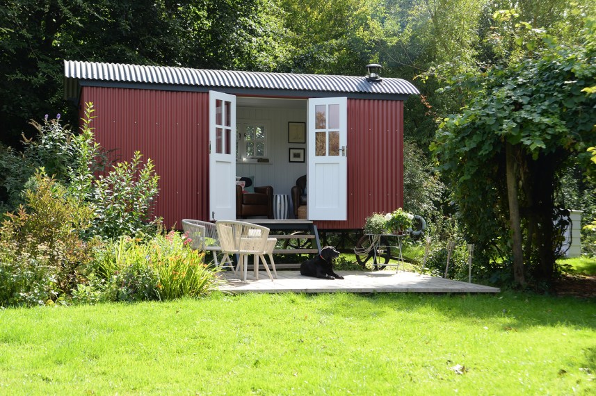 Just they way a shepherd hut should look!