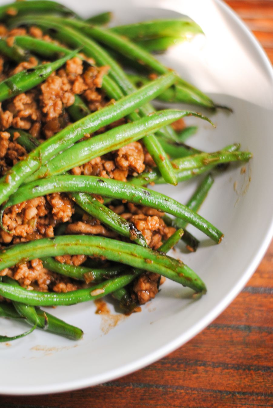 Stir-fried pork and green beans