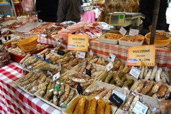Saucissons at the market