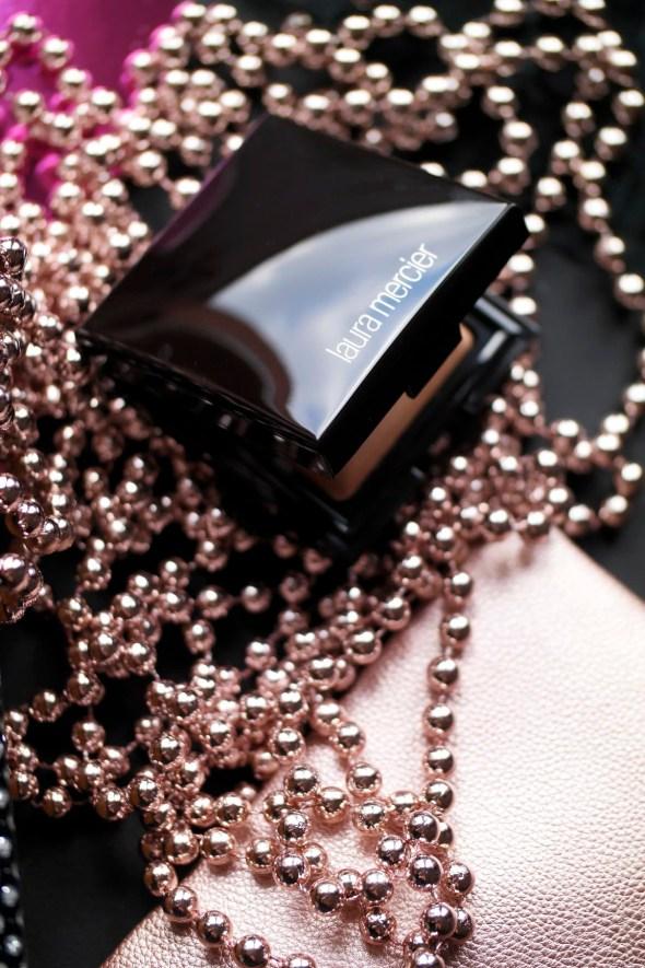 Candeglow Sheer Perfecting Powder | Laura Mercier