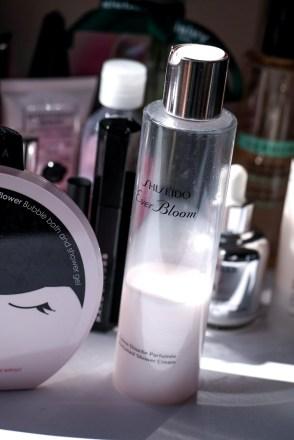 żel pod prysznic Shiseido Ever Bloom