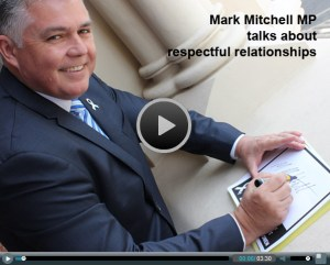 Mark Mitchell MP signs the White Ribbon Pledge