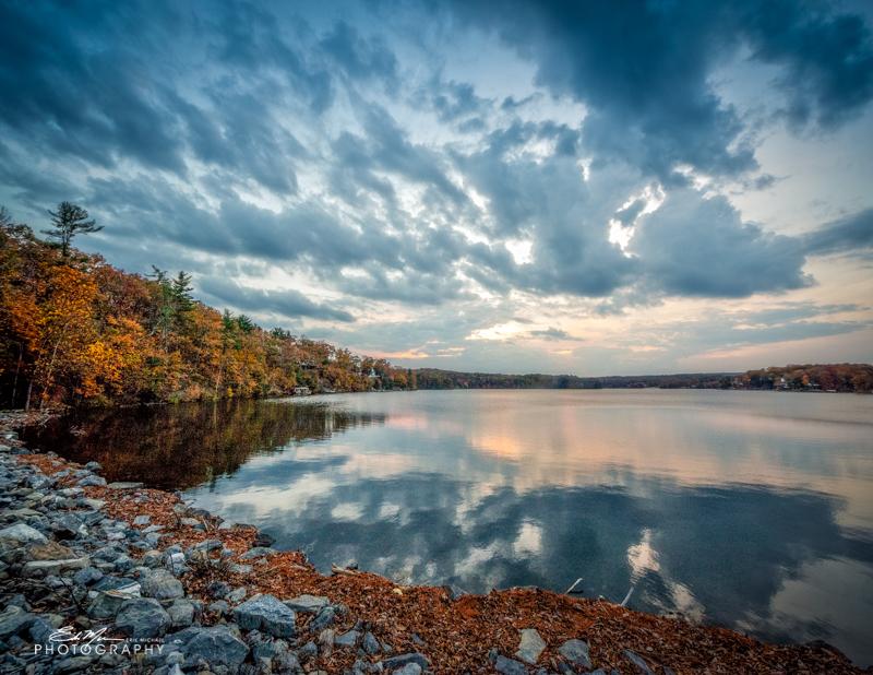 Lake Holiday Calendar - September 2017