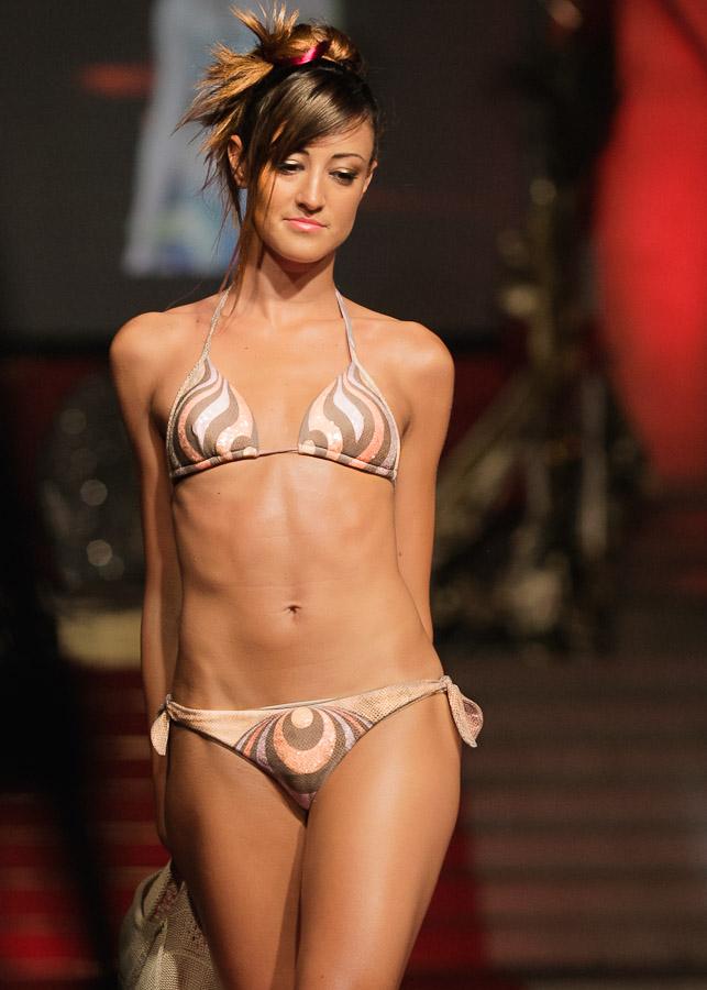 sfilata moda costumi mare moda mare swimwear