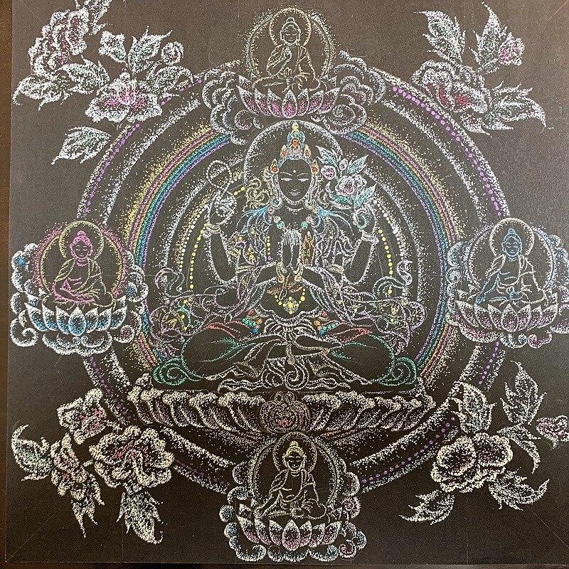 観音菩薩を中心に描いた点描曼荼羅
