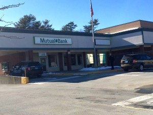 Scene of the robbery midday Thursday on Liberty Street in Hanson. The Mutual Bank branch will be closed for the rest of the business day. Photo by Stephanie Spyropoulos